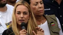 Venezuelan opposition activists march to Leopoldo Lopez' jail