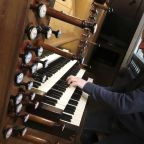 Notre Dame organists itching to play thunderous instrument