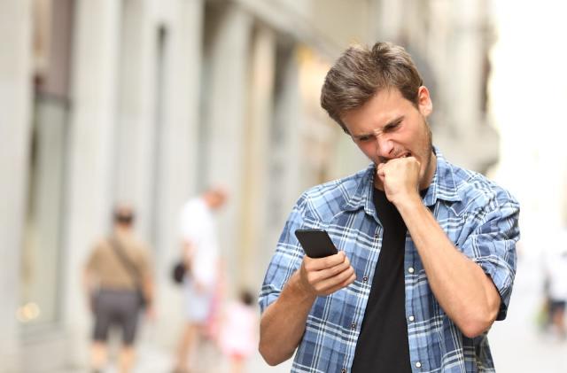 O2 eases roaming strain by secretly throttling data speeds