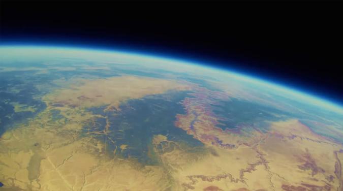 Disfruta de un viaje a la estratosfera gracias a una aventurera GoPro