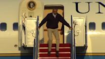 Obama nearly slips getting off Air Force One