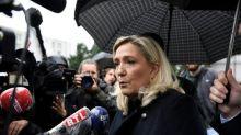 """Marine Le Pen s'inquiète de la nomination d'Eric Dupond-Moretti à la justice, """"un militant d'extrême gauche"""""""
