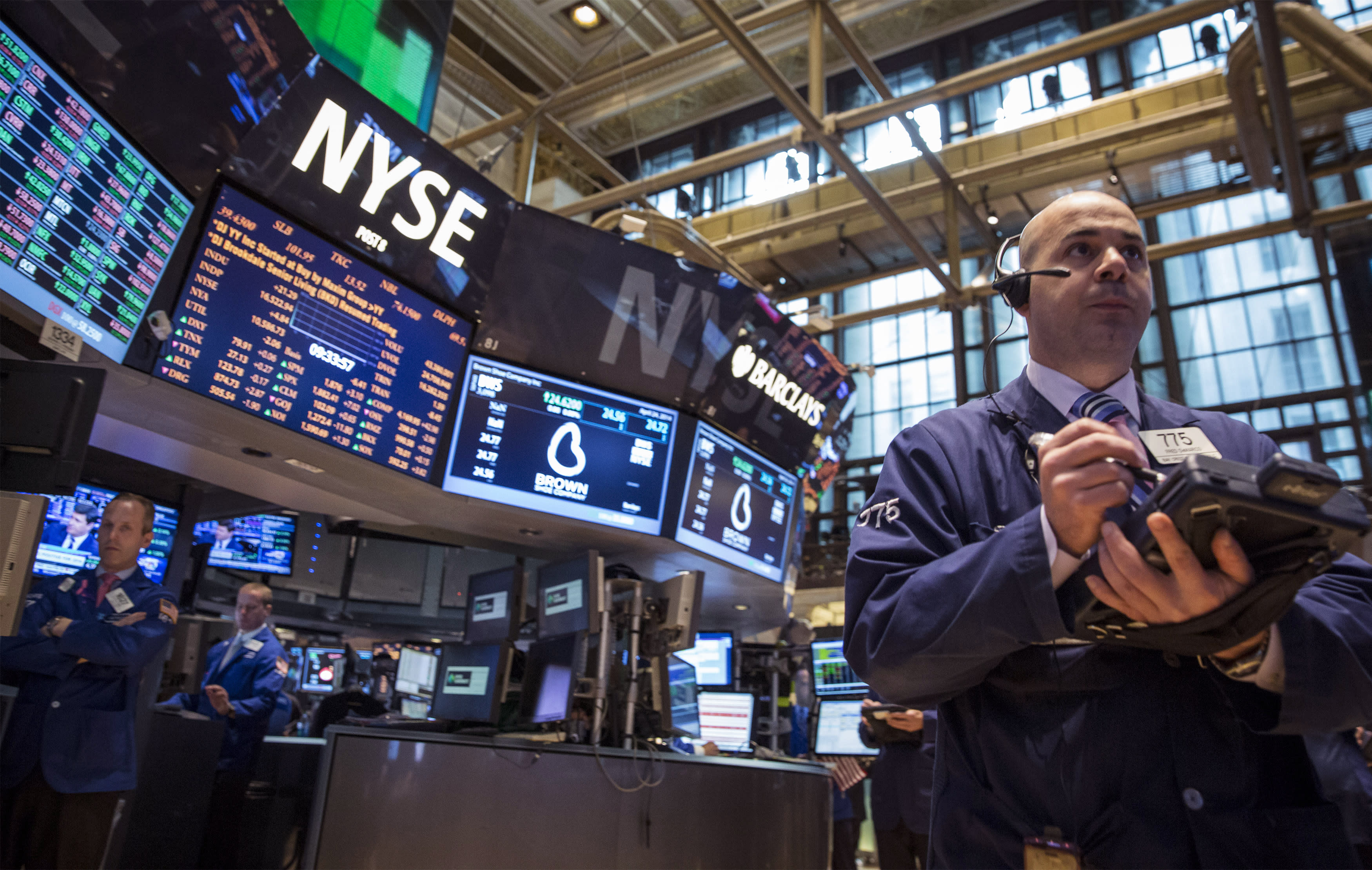 News post image: Stock market news live: Dow falls again after Apple warns of coronavirus, Nasdaq closes barely in the green