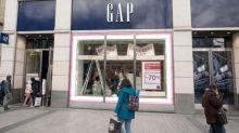 """""""On ne s'y attendait pas"""" : une salariée de Gap raconte comment le groupe leur a annoncé la fermeture des magasins en Europe"""