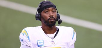 NFL player cops brutal injury from team doctor