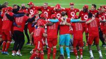 El Bayern celebra el título con goleada al Gladbach y triplete de Lewandowski