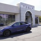 California places Tesla's 'Full Self-Driving' under review