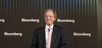 Bond king Bill Gross falls to the middle of the pack