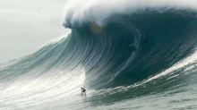 Surf - Surf: une énorme houle arrive à Nazaré