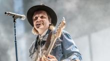 Chart Watch: Arcade Fire sprints to No. 1