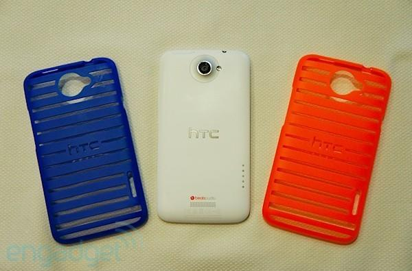 Hands-on with HTC's colorful One X cases