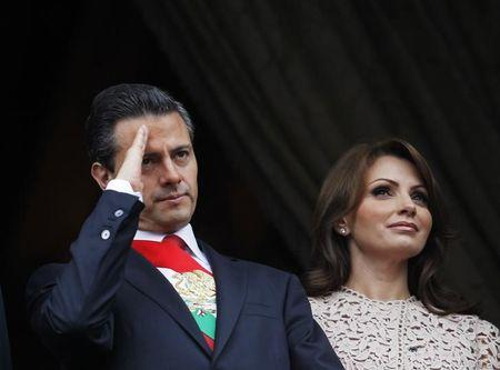 Mexico's President Pena Nieto and first lady Rivera celebrate Independence Day in Mexico City