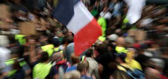 """Manifestations anti-pass sanitaire: la liberté de la presse """"entravée"""" (SNJ)"""
