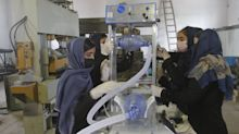 Afghanistan: Junge Frauen erfinden Atemgerät aus Autoteilen