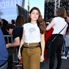 Marisa Tomei Hit the Women's March in a Colin Kaepernick Tee