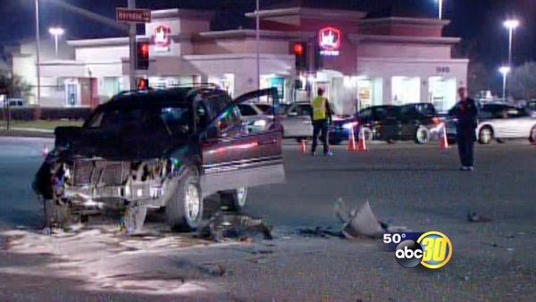 2 vehicles collide at a Clovis intersection; 1 killed