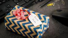 How To Do A Virtual Secret Santa Gift Exchange That's Actually Fun This Year