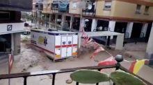 Los efectos de la gota fría en Arganda del Rey: una riada arrastra una unidad médica
