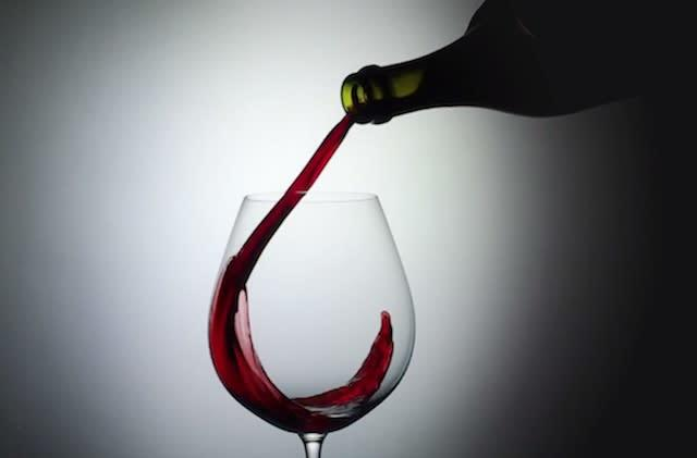 iPhone 6 slo-mo at 240 fps is awesome; watch wine being poured into a glass