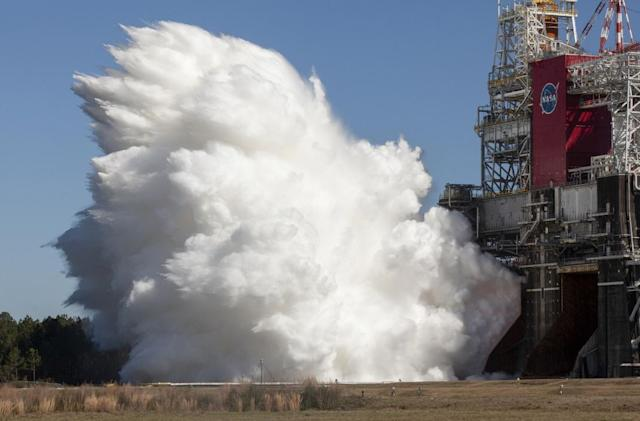 Watch NASA's SLS Core Stage fire for eight minutes