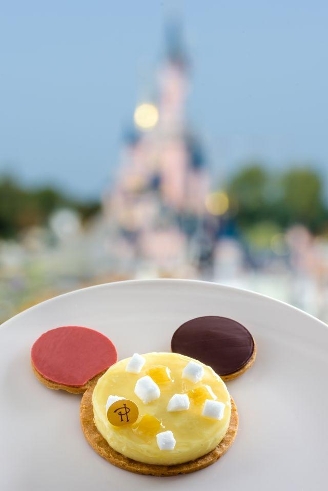 At Disneyland Paris Mickey Mouses 90th Birthday Cake Comes From Pierre Herme