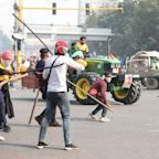 India farmer protests: One dead as demonstrators breach Red Fort during Delhi tractor march
