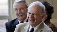 Former Arkansas Gov. David Pryor hospitalized with COVID-19