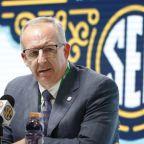 Trump, coaches push for college football as cracks emerge