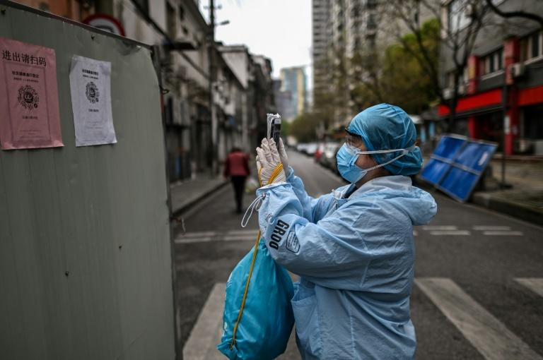 Privacy concerns surrounding the use of technology to fight the coronavirus weigh less heavily in China than in Europe (AFP Photo/HECTOR RETAMAL)