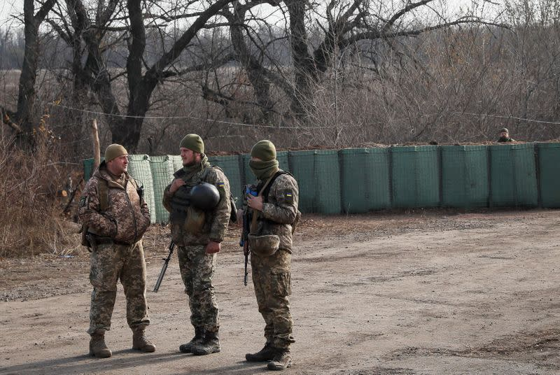 Soldier killed, four wounded in Ukraine fighting flare-up