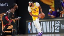 Lakers crush Heat with Anthony Davis only center on floor