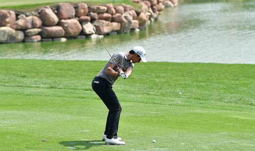 高爾夫》印度公開賽開局沒打完,馬納塞羅繳卡成績排第一.