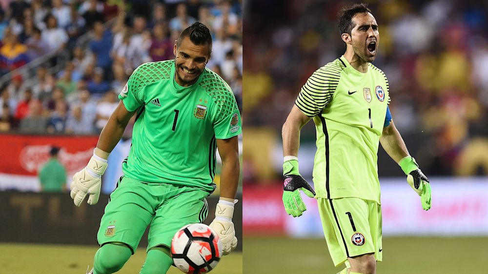 Romero - Bravo: indiscutidos en sus selecciones, suplentes en sus clubes
