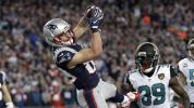 Amendola becomes Pats' hero in Gronk's absence