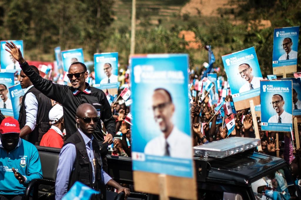 Incumbent Rwandan President Paul Kagame (L) has become one of Africa's most powerful and admired leaders