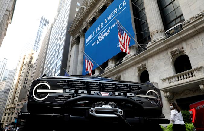 A Ford Motor Co. Bronco is seen outside the New York Stock Exchange (NYSE) in New York, U.S., August 17, 2020. REUTERS/Brendan McDermid     TPX IMAGES OF THE DAY