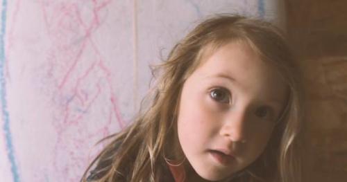 Surf - «Shape qui rit» : la belle histoire d'une petite fille et de sa planche de surf
