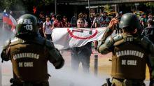 Los barrabravas ganan protagonismo en la crisis social y elevanla tensión en Chile