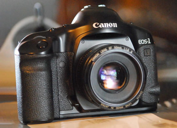 Canon ends film camera sales for good