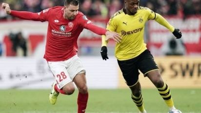 Foot - ALL - Mayence - Bundesliga: poussé vers la sortie, Adam Szalai refuse de partir de Mayence