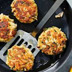 How to Make Classic Crab Cakes