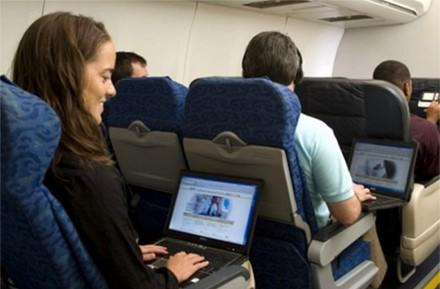 US Airways launching Gogo in-flight internet next year, to show WiFi logo when booking
