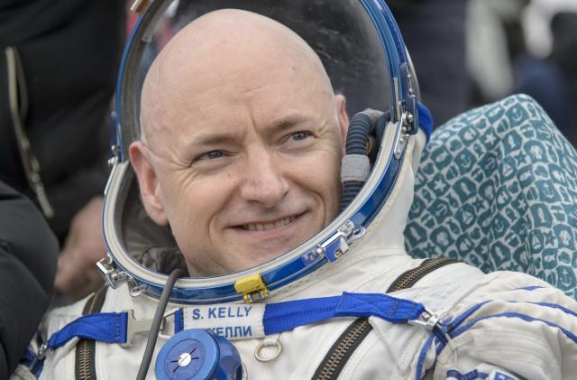 Record-breaking astronaut Scott Kelly retiring this April