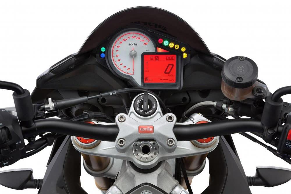Tuono共有三種動力模式,會直接顯示在儀錶上。