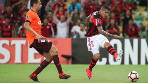 """""""Inimigos"""" nos bastidores, Atlético-PR e Flamengo se enfrentam em jogo-chave"""