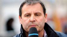 """Tour de France. Très ému, Thierry Adam fait ses adieux en direct : """"on n'était plus sur la même longueur d'onde..."""""""