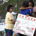 Florida shooting: Parkland students march on state capital to call for assault-style weapons ban