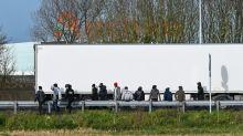 La desesperación de los migrantes en Calais tras repetidos fracasos de cruce a Reino Unido
