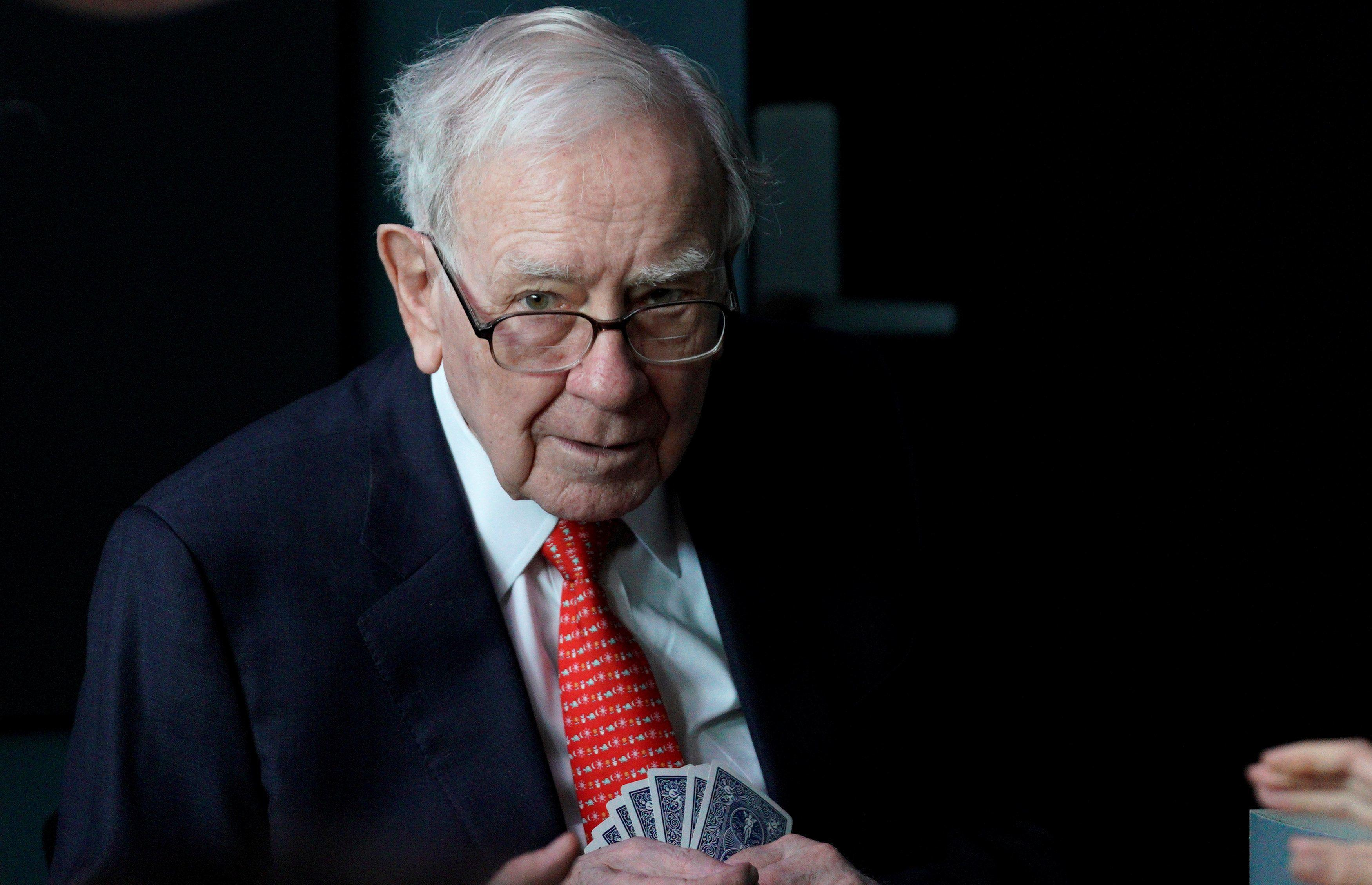 Buffett's Berkshire dumps Oracle after holding it for less than a year