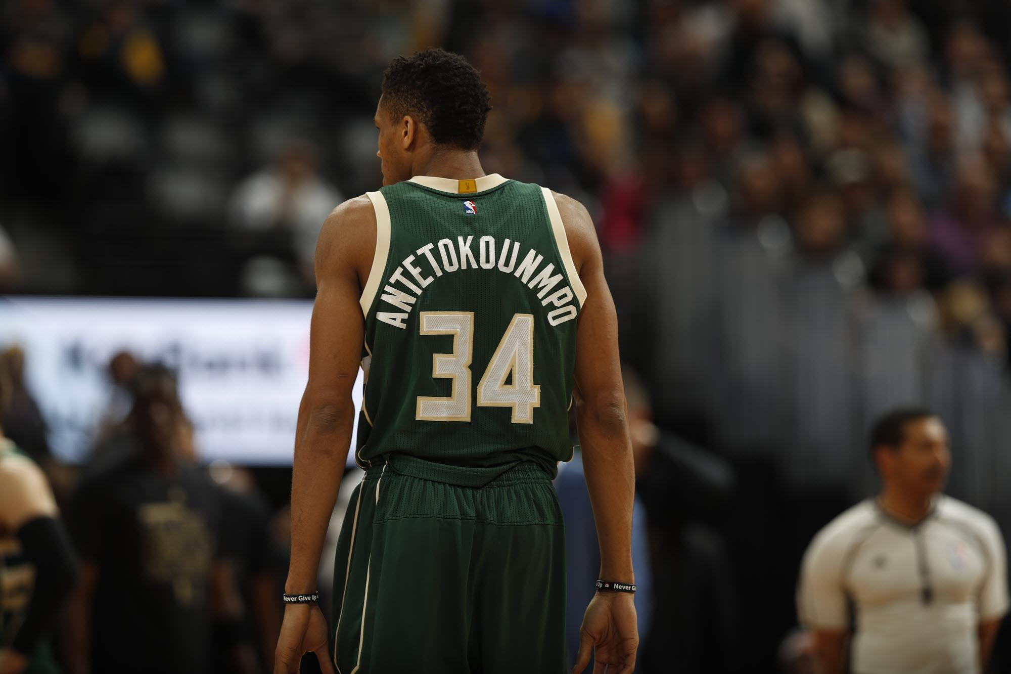 A Milwaukee restaurant issued a public apology Sunday night after not accommodating Bucks AllStar Giannis Antetokounmpo in a timely fashion after the team